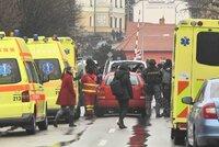 Střelec lhal po masakru vyjednavači: Zatím jsou všichni živí!