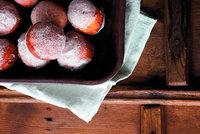 Sladk� tip na sn�dani: Jemn� koblihy s marmel�dou