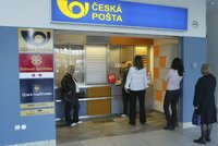 Česká pošta jako černá díra na peníze? Odboráři si posvítí na hospodaření