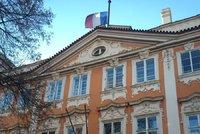 Francouzský velvyslanec v Praze skončil kvůli aféře s vízy. Bez prověření je dostaly stovky Afričanů