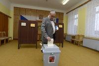 Dostanou volební urny konkurenci? TOP 09 chce zapojit poštu a internet