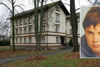 Z psychiatrie v Dobřanech utekl další pacient: Policie pátrá po 19letém mladíkovi