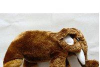 Inspekce varuje před plyšovým slonem. Nenašly ho vaše děti pod stromečkem?