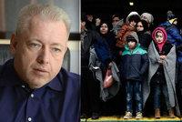 "Chovanec ukáže kvótám na migranty v Bruselu ""dlouhý nos"". Vláda souhlasí"