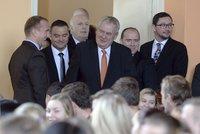 Zeman udělil první milost vězni: Před volbami tvrdil, že pravomoc nevyužije
