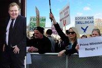 """Islandský premiér """"jede"""" dál. Demisi kvůli skandálu odvolal, byla jen na chvíli"""