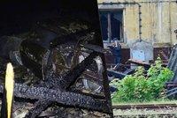 Technická závada za tři miliony: Na Mladoboleslavsku shořelo 8 veteránů