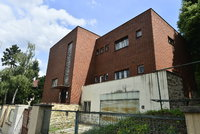 Vilu na Pet�in�ch radnice od demolice nezachr�n�: 85 milion� za jej� odkup majiteli ned�