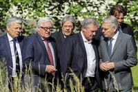 Brexit: Brit�m skon�il eurokomisa�, mocn� tla�� na rychl� �ez a milionov� petice