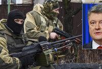 Drama p�i prezidentsk� cest� na Donbas: Poro�enko se pr� dostal do p�est�elky