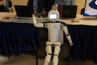V Praze proti sob� bojovali roboti: P�edvedla se i �robot� sle�na� Aranka