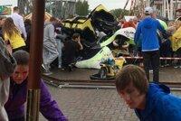 Ve Skotsku vykolejila horsk� dr�ha: Mezi zran�n�mi je i osm d�t�