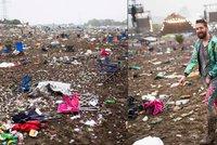 Bordel po Glastonbury: Festivalov� n�v�t�vn�ci po sob� zanechali p�l milionu pytl� s odpadky