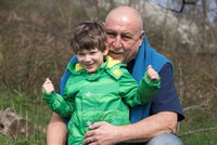 Andrej Hryc z Ulice s vnukem (3): Hr�za v aut�! Brzdy selhaly p�i j�zd� z kopce