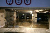 Lij�k v �ter� zatopil sklepy a gar�e. Nejv�t�� pr�tr� do Prahy ale teprve p�ijde