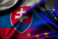 Bratislava opust� EU a NATO? Na Slovensku zah�jili  extr�mist� petici
