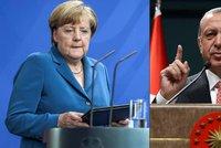 Turecko vyhro�uje Evrop�: Chce 3 miliardy eur a mluv� o �vypu�t�n� uprchl�k�