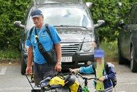 Pavel Nov� vede vnuka Vojtu ke sportu: Spole�n� vyrazili na kolo