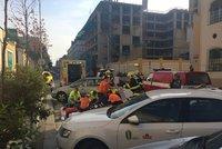 Motorkář (†34) vletěl do auta tureckého velvyslance: Po převozu do nemocnice zemřel