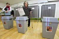 Jak Češi uvažují před volbami? Na průzkumy hledí jen 2 z 5