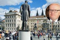Chyst� se ob�� oslava 100. �narozenin� st�tu: Trumfne n�klady Karla IV.?