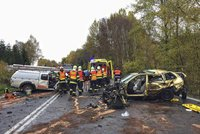 �ena na Chebsku dostala smyk a narazila do dvou aut: Chlapec (�5) nehodu nep�e�il