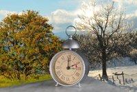 Zimní čas zastaví vlaky i autobusy. Hodinu si přispíme v noci na neděli