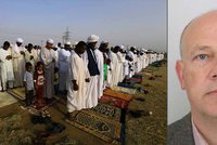 Zadržený Čech se má ve vazbě dobře, tvrdí Súdán. A zve zájemce k soudu