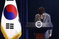 Jihokorejská prezidentka neustála tlak: Omluvila se a chce rezignovat