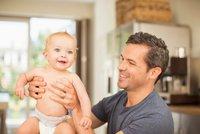 Kratší rodičovská a otcovská dovolená jsou zatím v nedohlednu: Na »rychlé prachy« si rodiče počkají
