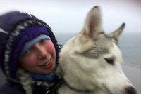 Čecha zatkli za ubodání blonďaté krásky, schovával se ve sněhu při mrazech –30 stupňů Celsia