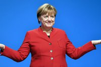 Němci Merkelovou stále milují. CDU vytáhne do voleb s brožurkami o jejím životě