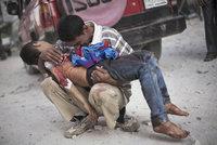 Zastavte masakr, pamatujte si nás: Lidé se v Aleppu loučí se světem i životem