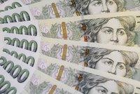Policie hledala majitele balíku peněz: Nejdřív si přišla důchodkyně, pak opravdový majitel