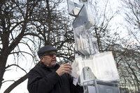 """Dramatický vznik Charty 77: Na místě, kde Havel ujížděl """"estébákům"""", stojí pomník"""