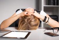 5 překvapivých věcí, které vám hrozí, pokud v práci celý den sedíte