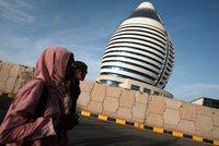 Ženy mladší 60 let nesmí cestovat bez doprovodu, nařídily úřady v Libyi