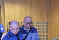 Lékař zabil svoji milenku a tělo hodil do Orlíku: Soud mu zamítl propuštění