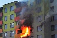 Panelák vzplál od nedopalku: Ničivý požár způsobil škodu za půl milionu!