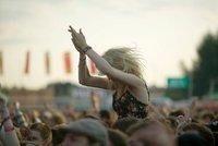 """Britská """"vychytávka"""" na hudebních festivalech: Policie prověří čistotu drog"""