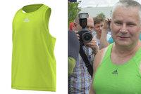 """Češi chodí """"na Kajínka"""": Zelená tílka mizí z obchodů, Adidas dává ruce pryč"""