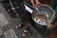 Zavřené hospody, naštvaní sousedé: Jaký byl první měsíc zákazu kouření?