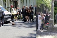 Kněz, sanitka i pomoc psycholožky: Pohřbili Roma zastřeleného na chomutovském sídlišti