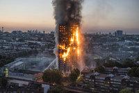"""Evakuace v Londýně: Kvůli strachu z ohně """"vyhnali"""" z domovů 4000 lidí"""