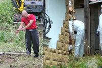 Sériový vrah se přiznal ke 4 vraždám: Miroslav ukázal, kde ukryl těla. Zabíjel prý i v Česku