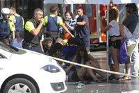 """""""Bylo to děsivé. Vzal to středem davu."""" Svědci popsali teror v Barceloně"""