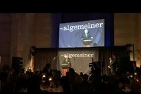 Zeman dostal v New Yorku cenu Bojovníka za pravdu. A vyzval k solidaritě se Židy