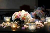 Hotelový personál se postará o vše, i o květinovou výzdobu