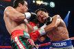 Slavný filipínský boxer Manny Pacquiao podruhé za sebou prohrál. V sobotním utkání s Mexičanem Juanem Manuelem Márquezem skončil mistr světa osmi váhových kategorií po knokautu v šestém kole na zemi. I tak si ale vydělal přes dvacet milionů dolarů.