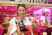 Voňavé botičky si Berenika oblíbila.